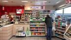 Zeitungen verkaufen sich immer weniger - die Kioske müssen sich Neues einfallen lassen.