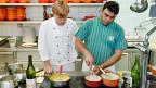 Vor zehn Jahren haben Arbeitnehmende in der Gastronomie von den Gewerkschaftsforderungen um einen Mindestlohn profitiert. Wie steht es diesmal?