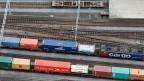 Güterzüge am Verladeterminal der Hupac in Aarau.