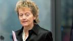Finanzministerin Eveline Widmer-Schlumpf an der Medienkonferenz zum Vergleich der CS mit den US-Behörden.