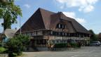 Der Bären in Madiswil bei Langenthal liegt an einer beliebten Elektrovelo-Route. VelofahrerInnen können hier die Akkus ihrer E-bikes wechseln. Die Veloroute habe noch zusätzliche Gäste gebracht, sagt Wirtin Eliane Ingold.