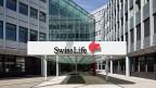 Für SwissLife ist das Geschäft mit den KMU-Pensionskassen attraktiv: Der Versicherungskonzern kann die Gelder der verschiedenen Unternehmen bündeln, so können die Verwaltungskosten auf viele Firmen aufgeteilt werden.