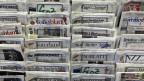 Zeitungsständer mit Schweizer Zeitungen, aufgenommen am 31. Februar 2012 in St. Gallen.