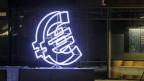 Händler begründen den aktuellen Kursverlust mit der Geldpolitik der Europäischen Zentralbank.