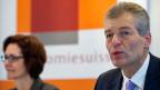 Economiesuisse-Direktorin Rühl und -Präsident Karrer an ihrer Jahresmedienkonferenz. Der starke Franken reisst die alten Gräben zwischen den Sozialpartnern wieder auf.