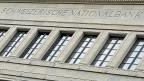 Mit ihrem Entscheid reagiert die Schweizerische Nationalbank auf Stimmen, die kritisiert haben,  bundesnahe Betriebe würden bevorzugt.