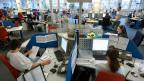 Je nach Region gibt es für Callcenter-Angestellte künftig 3800 bis 4500 Franken pro Monat, es gilt die 42-Stunden-Woche, und es gibt eine Lohnfortzahlung im Krankheitsfall - mehr als bloss das gesetzliche Minimum.