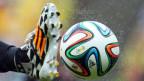 Grosse Sponsoren der Fifa zeigen sich enttäuscht über den Korruptionsfall und überdenken zum Teil die Zusammenarbeit.