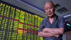 Chinas Börsen haben den grössten Tagesverlust seit acht Jahren erlebt.