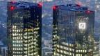 Wegen milliardenschwerer Abschreibungen im Investmentbanking erlitt die Deutsche Bank im 3. Quartal einen Verlust von sechs Milliarden Euro. Bild: DB-Hauptsitz in Frankfurt am Main.