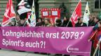In der Avenir-Suisse-Studie wird als Grund für die Lohndifferenzen unter anderem die «weibliche Neigung zur Teilzeitbeschäftigung» und die geringeren Präferenzen für technische Berufe erwähnt. Bild: Aktion des SGB zum internationalen Frauentag im März 2013.