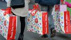 Einkaufende im Inland haben die Konjunktur gerettet.