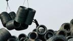 Dass es zwischen konkurrierenden Exportnationen gelegentlich Streit gibt, ist an der Tagesordnung. Ungewöhnlich an diesem Fall ist die exorbitante Höhe der Strafzölle. Bild: Arbeiter in einem chinesischen Stahlwerk.