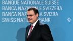 Insgesamt rechnet die Nationalbank damit, dass die Schweizer Wirtschaft auch im nächsten Jahr um anderthalb Prozent wächst. Auch weil die Leute wieder mehr Geld ausgeben.