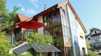 Das fast vollständig energieautarke Haus von Siegfried Delzer. Er hat es vor 30 Jahren gebaut.