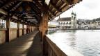 Wenige Touristen auf der Kapellbrücke: Seit Anfang Februar bleiben chinesische Touristen fern.