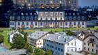 Hotel Schweizerhof (oben) in Luzern und das Hotel Krone in la Punt.