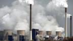 Für besseren Klimaschutz müssten Milliardensummen von der Öl-, Gas- und Kohlewirtschaft in den erneuerbaren Energiesektor umgeschichtet werden.