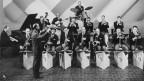 Das 1946 gegründete Unterhaltungsorchester Cedric Dumont im Studio Basel.