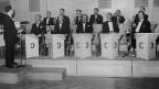 Beim Volkslied «Ca c'est chic!» wurden Les Nouveaux Troubadours 1959 vom Orchester Cedric Dumont begleitet.