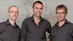 Das Trio «üs drü» spielt Klarinette, Schwyzerörgeli und Bassgeige.