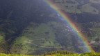 Blick über Schlans im Bündner Oberland, wo die rätoromanische Sprache noch gepflegt wird.