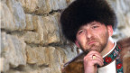 Auch optisch passt Ronnie ins Bild des Klischee-Russen.