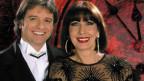 Valentino und Mo in osteuropäisch angehauchten Bühnenoutfit.