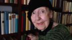 Hilde Thalmann mit auffälligem Hut.
