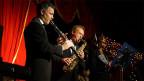 Ein Klarinettist, ein Saxofonist und eine Sängerin.