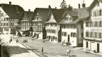Historisches Foto eines Dorfes.