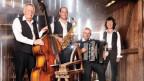Rolf Wymann (l.) am Bass in der Kapelle Reto Blällter