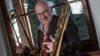 Armin Bachmann beschäftigt sich mit seiner Posaune auch mit Volksmusik.