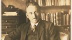 Josef Reinhart in seinem Arbeitszimmer.