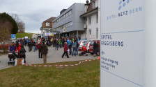 Audio «Protest gegen Schliessung der Geburtsabteilung in Riggisberg» abspielen