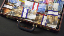 Audio «Berner Regierungsräte dürfen Spesen und Sitzungsgelder behalten» abspielen