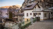 Audio «Hintergründe zur Gewalttat im Wallis weiterhin unklar» abspielen