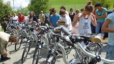 Audio «E-Bike statt Schulbus: Berner Gemeinde startet Versuch» abspielen