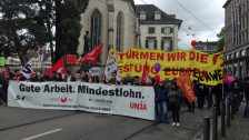 Audio «1. Mai: Mit dem Umzug gegen die Abschottung der Schweiz» abspielen