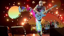 Laschar ir audio «Red Hot Chili Peppers: «Sick Love»».