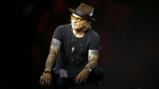 Laschar ir audio «Guns N' Roses: «November Rain»».
