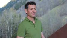 Laschar ir Audio «Vinavant ANAVON – Simon Jacomet e sia chasa nova»