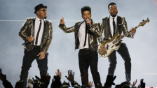 Laschar ir audio «Bruno Mars: «The Lazy Song»».