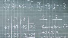 Audio «Mehr als nur Zahlen: Viele Menschen haben Mathematik-Macken» abspielen