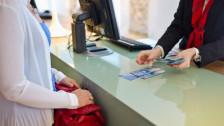 Audio «Schluss mit Bargeld am Bankschalter» abspielen