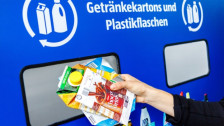 Audio «Neue Anlage macht Getränkekarton-Recycling möglich» abspielen