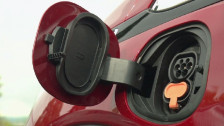 Audio «Elektro-Autos im Praxistest: So weit kommen Sie wirklich» abspielen
