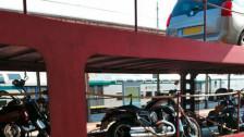 Audio «Viel Ärger statt Luxusreise im train4You-Autozug» abspielen