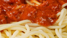Audio «Tricks gegen Tomaten-, Rotwein- und Blutflecken» abspielen.