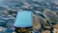 Audio «Verwirrend: Wasserdichtes Handy darf nicht nass werden» abspielen
